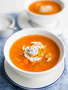 Red lentil soup seasoned with lime - Limettimehulla maustettu punainen linssikeitto, resepti – Ruoka.fi
