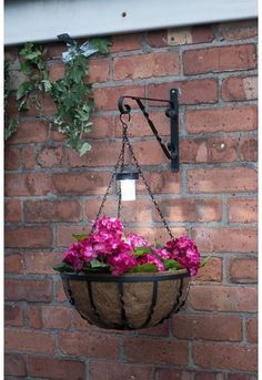 Garden Plant Stand Balcony Planters Solar Light Basket Planters Outdoor Hanging