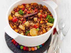 Mausteinen linssi-juurespata Dog Food Recipes, Vegan Recipes, Dinner Recipes, Vegan Food, Healthy Food, Food Goals, Bon Appetit, Chili, Nom Nom