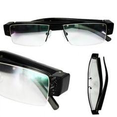 Ochelari spion cu camera video ascunsa HD . Camera spion perfect mascata in rama laterala a ochelarilor, functie de encriptare a inregistrarilor, memorie pana la 32Gb. Model OCS888b