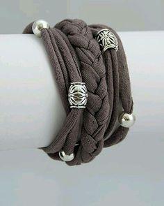 Ideas crochet scarf diy fabrics Source by Scarf Jewelry, Textile Jewelry, Fabric Jewelry, Fabric Bracelets, Beaded Bracelets, Jewelry Crafts, Handmade Jewelry, Diy Scarf, Crochet Bracelet