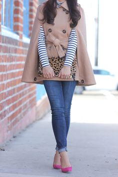 Camel cape, striped turtleneck, leopard foldover clutch, and pink pumps Chic Outfits, Winter Outfits, Fashion Outfits, Fashion Boots, Fashion Ideas, Cardigan Fashion, Women's Fashion, Striped Turtleneck, Ribbed Sweater