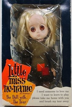 Um.... WTF?!   |   11 (Unintentionally) Scary Vintage Dolls That Will Make Your Skin Crawl
