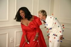 Oprah and Ellen - hamming it up for the holidays