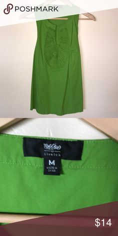 Mossimo sleeveless racer back green top 💵 30% off when you buy 3+ items.  🆓 Earrings with bundle purchase.                                .                          💜 I ❤️OFFERS!!!                                                                         ✅ ALL the way through my closet.        👱🏼 Mens  👩🏻  Ladies  👱🏼‍♀️  Teens  👧🏻  Toddler                        🆕  Items DAILY  ⚡️Flash Sales DAILY  🛳  SHIP DAILY 📦💌📦 🔖 C1 Mossimo Supply Co Tops Blouses