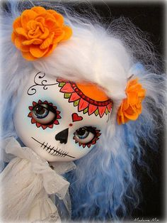 Blythe Custom Calavera by Madame Mix. Day Of The Dead Art, Gothic Dolls, Halloween Doll, Creepy Dolls, Little Doll, Monster High Dolls, Mexican Art, Cute Dolls, Ball Jointed Dolls