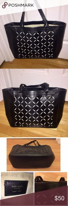 ⭐️Kate Spade Bag⭐️ Kate Spade black leather bag. Measurements: Approx 8 inches in height, 13 inches wide. Only real wear marks are on the interior. Very good condition. Make me an offer 😊 kate spade Bags
