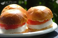 Sandwich pomodoro e mozzarella