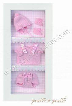 vitrine-vetements-bebe-rose-pasito-a-pasito-3528.jpg 407×600 pixels