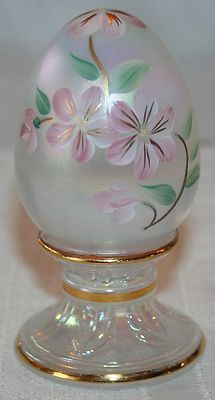 FENTON ART GLASS EGG LIMITED EDITION 1966/2500 Handpainted Signed by Artist