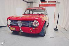 Alfa Romeo Giulia Super by Giannis King Kokkas Alfa Romeo Junior, Alfa Romeo Cars, Alfa Gta, Boat Girl, Moto Car, Alfa Romeo Giulia, Old School Cars, Engin, Construction