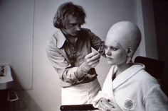 Leesub Sirln (Cantina alien) played by Pam Rose. - behind the scenes on Star Wars A New Hope