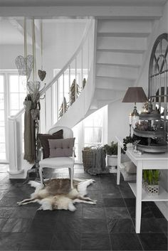 Broad selection of home decor and high quality design products for the living room, kitchen, bathroom, bedroom and a large selection of furniture, artificial flowers and candles. Interior Exterior, Interior Design, Home And Deco, Scandinavian Interior, Nantucket, Home Collections, Home Decor Accessories, My Dream Home, Home And Living