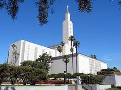 Click to download this wallpaper image of the Los Angeles California Mormon Temple