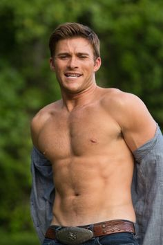 """Scott Eastwood Stars In Nicholas Sparks' Romantic Novel """"The Longest Ride"""" Clint And Scott Eastwood, Oliver Stone, Fast And Furious, Grey's Anatomy, Chicago Fire, Cher John, Clint Eastwoods Son, Drame Romantique, Showgirls"""