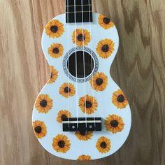 Discover recipes, home ideas, style inspiration and other ideas to try. Arte Do Ukulele, Ukulele Songs, Ukulele Chords, Guitar Art Diy, Guitar Painting, Ukelele Painted, Painted Guitars, Mahalo Ukulele, Ukulele Design