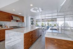 Mid Century Modern Kitchen Design and Decorating Ideas