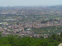 Desde  Sant  Ramon, una magnifica vista. al fondo Sant Boi.