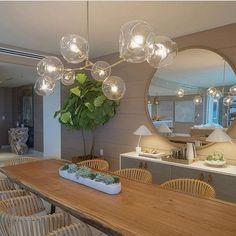 Texturas garantem aconchego em espaço que destaca elegância e beleza, valorizados por peças e mobiliário de design marcante.  Penthouse Residence - 1 Hotel & Homes South Beach - Miami 🇺🇸. Regran @xynntii  #arquitetura #arquitectura #architecture #arquiteturadeinteriores #arquiteturaeinteriores #arquiteturaedesign #archdecor #archdesign #decor #design #decoração #decorating #designinterior #designdeinteriores #iluminação #iluminacion #lightdesign #contemporarydecor #mirror…