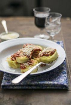 Questa è una ricetta tramandata oralmente in famiglia. La minèstra de canàvaz, cioè dello strofinaccio, fa parte della cucina tradizionale romagnola. La depositaria della ricetta è la zia Anna, è stat