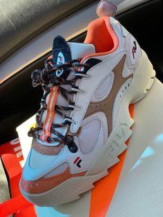 huge selection of 95d9b 1318b Best Looking Shoes, Custom Sneakers, Vans Shoes, Shoes Sneakers, Nike  Huarache,