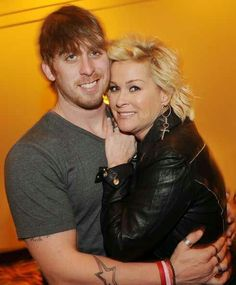 son country singer Jesse Keith Whitley and His mom country singer, Lorrie Morgan. Old Country Music, Country Music Stars, Country Music Singers, Country Artists, Country Girls, Sammy Kershaw, Pam Tillis, Greatest Country Songs, Lorrie Morgan