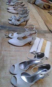 Chaussure de danse et de mariage haut de gamme, fabrication italienne, 100% personnalisable. Souple et confortable. Ici en cuir pailleté. Gladiator Sandals, Shoes, Fashion, Leather, Dance, Top, Weddings, Moda, Zapatos