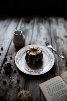 Mini Bundt Cake - Stefania Gambella - LifeStyle Photography #bundtcake #cake #chocolate #autumn #food #dessert #rustic