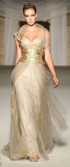 Abed Mahfouz - Couture - Fall-Winter 2008-2009. Like a mythical Queen!