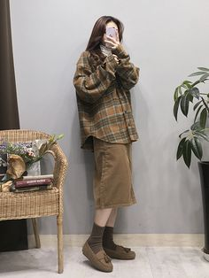 Korean Fashion – How to Dress up Korean Style – Designer Fashion Tips Korean Street Fashion, Korea Fashion, Asian Fashion, Daily Fashion, Teen Fashion, Retro Fashion, Vintage Fashion, Fashion Outfits, Womens Fashion
