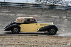 #Bugatti aux #CoupesdePrintemps à Montlhéry Reportage complet : http://newsdanciennes.com/2016/04/03/grand-format-coupes-de-printemps-2016/ #Voitures #Anciennes #VintageCar #ClassicCar