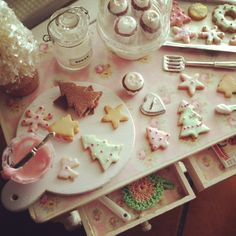 Sweet Christmas baking table 1:12 scale dollhouse miniature <3