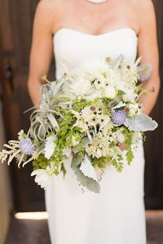 Photography: Studio EMP | Coordination: Gini Garner Events | Floral Design: Fantasy Floral Designs | Gown Designer: Nicole Miller via CeremonyMagazine.com
