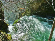 Nacedero del Río Urederra en Baquedano El Paraíso del Agua Valle ...