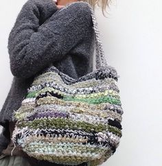 Een persoonlijke favoriet uit mijn Etsy shop https://www.etsy.com/nl/listing/576720295/handmade-duurzame-dames-tas-van-repen