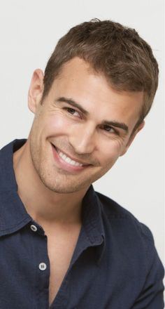 Look at that beautiful smile!!! ~Theo James