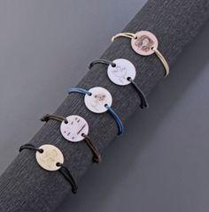 Estas pulseras son un complemento perfecto para la primavera, las tenemos en varios colores y puedes encontrarlas en nuestra #LibreríaMPM  ¡Visita la #LibreríaMPM en nuestra web! > http://www.museopicassomalaga.org/es/tienda-libreria