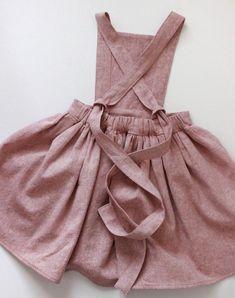 Little Girls Sweet Handmade Linen & Cotton Pinafore Dress Robe Pinafore, Pinafore Dress Pattern, Girls Pinafore Dress, Sewing Clothes, Diy Clothes, Diy Fashion, Ideias Fashion, Kids Outfits, Cute Outfits