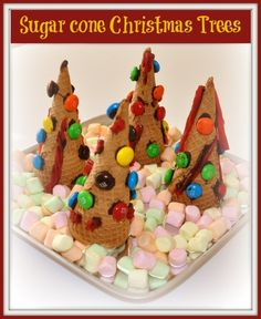christmas crafts- This would be cute for a Friday holiday edible craft and treat! @ Tasty Holiday Food Ideas