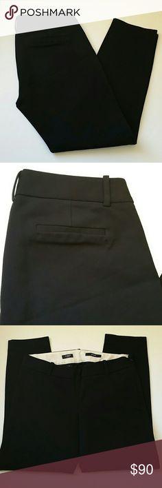 """J.crew minnie pants size 2 Excellent condition Measures: waist 14 1/2"""" rise 8"""" inseam 25""""  Fabric: 95% cotton 5% spandex J. Crew Pants Capris"""
