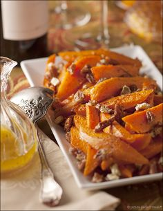 Sweet potato wedges with pecan and blue-cheese