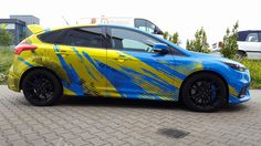 Ford Focus RS blue yellow part wraps
