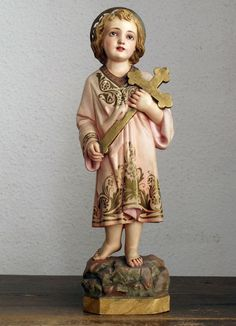 Etsy のChild Jesus Carrying the Cross Glass Eye Religious Statue Olot Spain Antique Figurine /554(ショップ名:GliciniaANTIC)