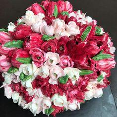 buttercream tulip cake @sweetplantations