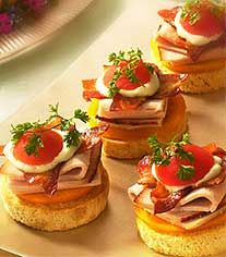 Kentucky Derby Tea - Baby Hot Browns... now put on that hat and let's have a tea party !!