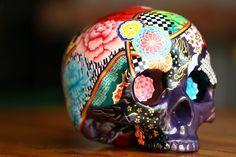 Google Image Result for http://favim.com/orig/201106/12/awesome-day-of-the-dead-pattern-skull-sugar-skull-Favim.com-73640.jpg