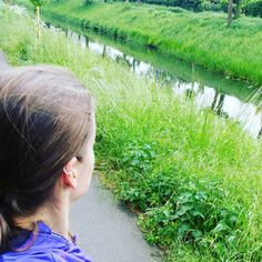 Schön eine Runde laufen bevor der Regen kommt #intervalltraining #gym #joggen#walk#walking#ellbowplank #planksaroundtheworld#abbodysquad #girlswithmuscle #igyogis #yoga#yogajourney #fbfmfam #fbfm #yogaeveryday#fitmom #workathome #instayoga#fitlondoners #yogadeutschland #PracticePracticePractice #practiceyoga #yoga#yogainspiration #yogaeverydamnday #yogagram#fitmum  #myyogalife #spreadtheyogalove #thedailyyoga#inspiredyogis by yogi_debby