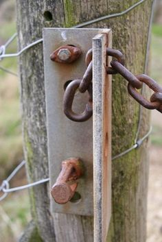 Metal Projects, Welding Projects, Home Projects, Projects To Try, Farm Gate, Farm Fence, Farm Hacks, Gate Locks, Gate Latch