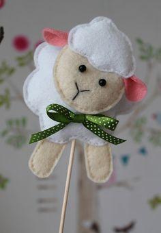 Easter Projects, Easter Crafts, Felt Diy, Felt Crafts, Spring Crafts, Holiday Crafts, Felt Bookmark, Easter Lamb, Creation Crafts