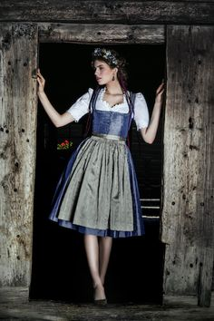 Lena Hoschek Tradition | Herbst/Winter 2017-18 | Theresia Dirndl | S❤